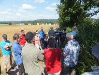 "Guided nature tour with the focal topic of ""presercation of our cultivated landscape through eco- farming"", Photo: Neumarkter Lammsbräu"